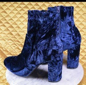 Mossimo BLUE VELVET Boots *SIZE 9.5 *NWOT